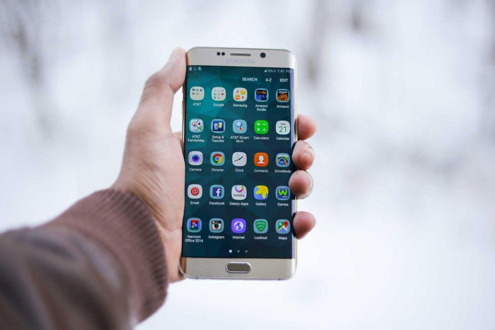 Aplicaciones web y móvil
